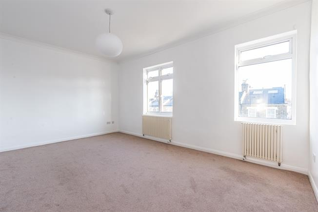 £1,668  per Calendar Month (Calculated), 1 Bedroom Flat To Rent in London, SW4