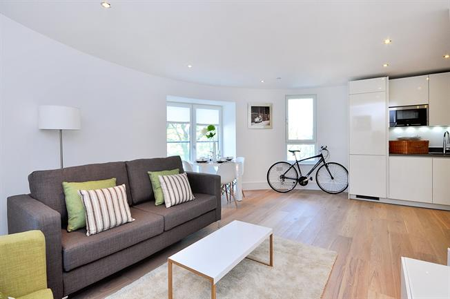 £1,993  per Calendar Month (Calculated), 2 Bedroom Apartment To Rent in London, SW4