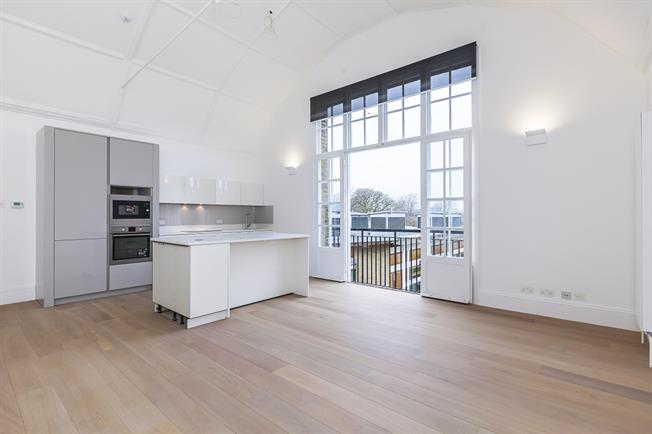 £2,816  per Calendar Month (Calculated), 2 Bedroom Flat To Rent in London, SW4