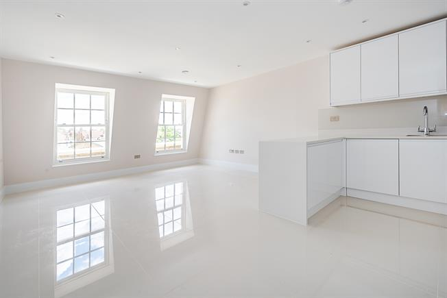 £1,798  per Calendar Month (Calculated), 1 Bedroom Flat To Rent in London, SW9