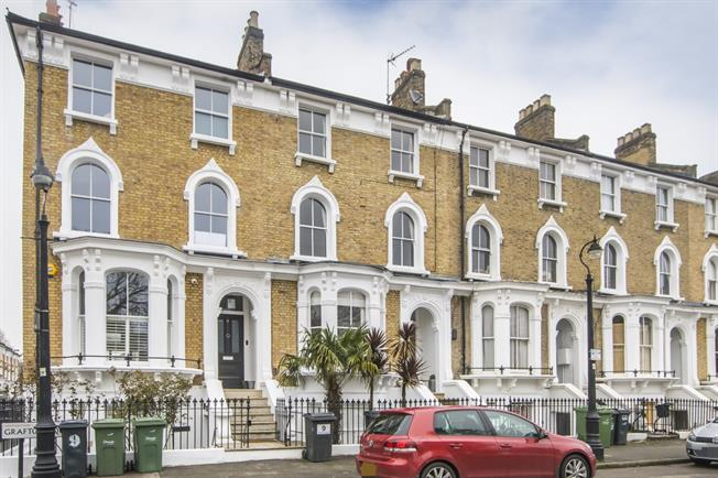 £6,500  per Calendar Month (Calculated), 5 Bedroom Terraced House To Rent in London, SW4