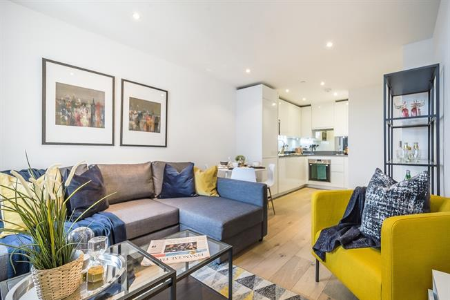 £1,885  per Calendar Month (Calculated), 1 Bedroom Apartment To Rent in London, SW4