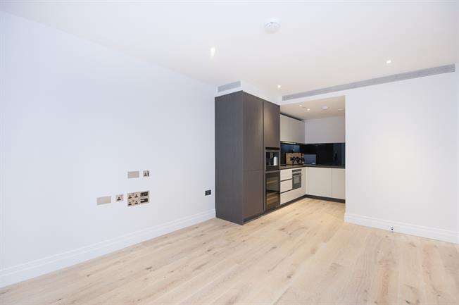 £2,058  per Calendar Month (Calculated), 1 Bedroom Flat To Rent in London, SW8
