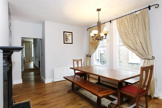 £2,686  per Calendar Month (Calculated), 3 Bedroom Maisonette To Rent in London, SW4