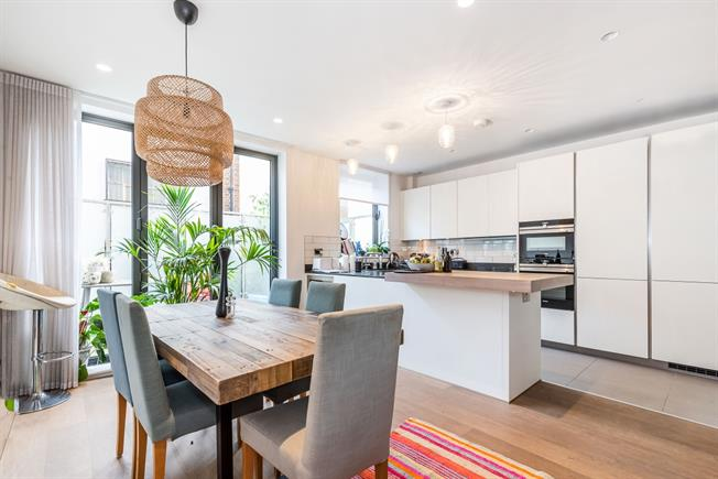 £4,333  per Calendar Month (Calculated), 4 Bedroom House To Rent in London, SW4