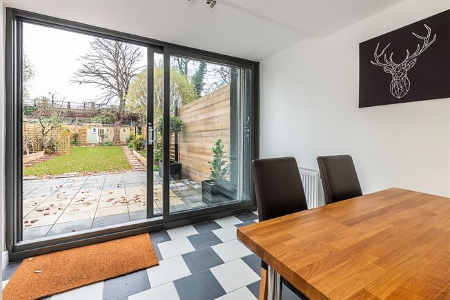 £5,670 per Calendar Month, 6 Bedroom Town House To Rent in London, SE24
