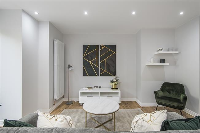 £2,250 per Calendar Month, 2 Bedroom Duplex Apartment To Rent in London, SE22