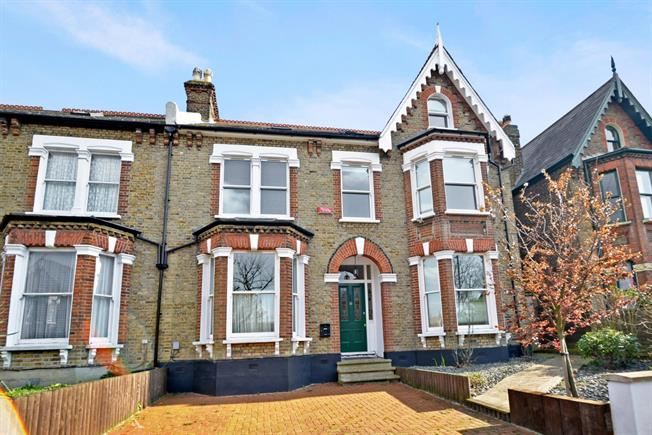 £4,250 per Calendar Month, 7 Bedroom Terraced House To Rent in London, SE22