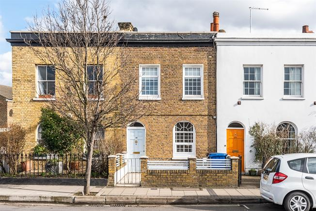 £2,000 per Calendar Month, 3 Bedroom Terraced House To Rent in London, SE5