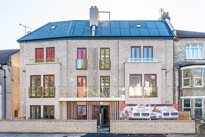 £2,150 per Calendar Month, 2 Bedroom Flat To Rent in London, SE22