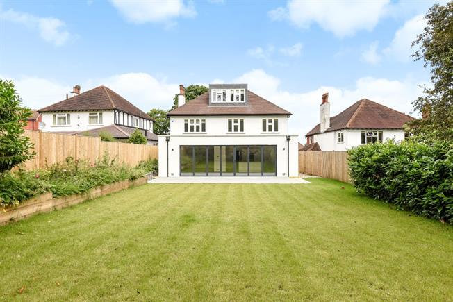 £3,750 per Calendar Month, 6 Bedroom Detached House To Rent in Epsom, KT18