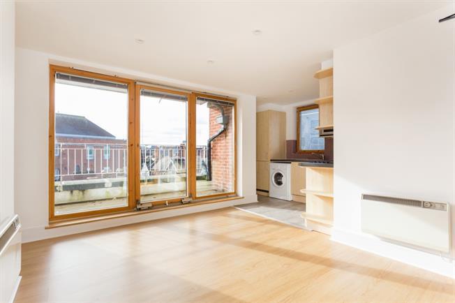 £1,125 per Calendar Month, 2 Bedroom Apartment To Rent in Epsom, KT19