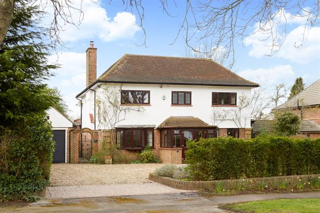 £3,750 per Calendar Month, 5 Bedroom Detached House To Rent in Sutton, SM2