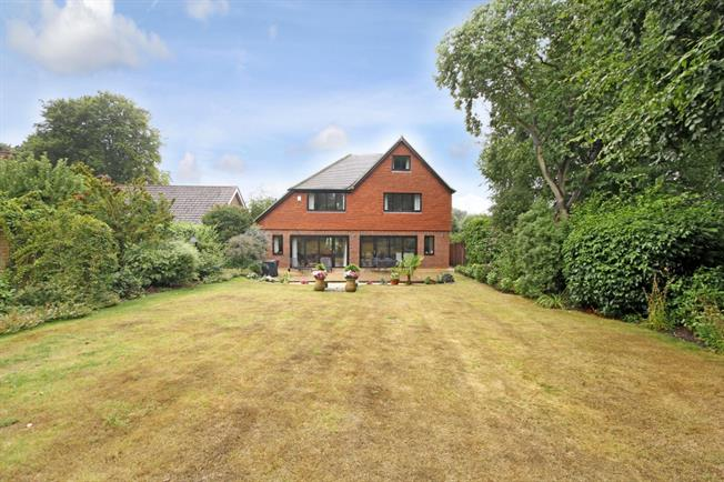 £4,500 per Calendar Month, 6 Bedroom Detached House To Rent in Leatherhead, KT22