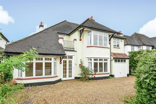 £3,250 per Calendar Month, 5 Bedroom Detached House To Rent in East Molesey, KT8