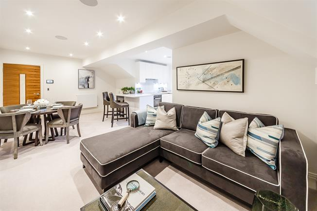 £5,113  per Calendar Month (Calculated), 2 Bedroom Apartment To Rent in London, W6
