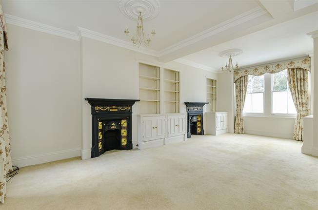 £3,497  per Calendar Month (Calculated), 4 Bedroom Terraced House To Rent in London, SW6