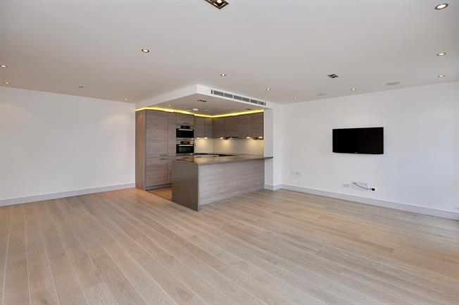 £2,600  per Calendar Month (Calculated), 2 Bedroom Apartment To Rent in London, SW6