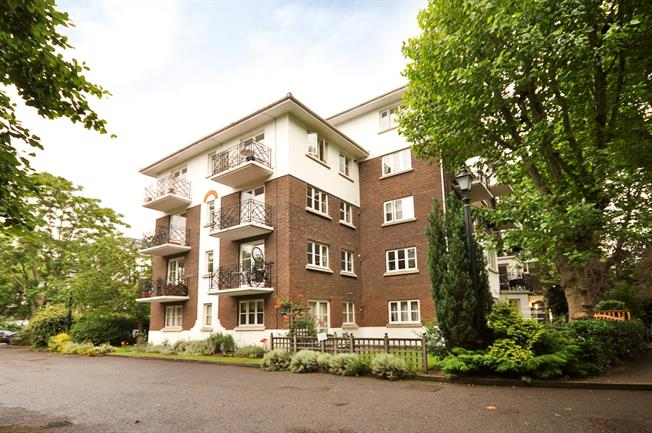 £1,950  per Calendar Month (Calculated), 2 Bedroom Flat To Rent in London, SW6