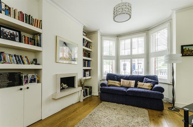£3,250  per Calendar Month (Calculated), 4 Bedroom House To Rent in London, W6