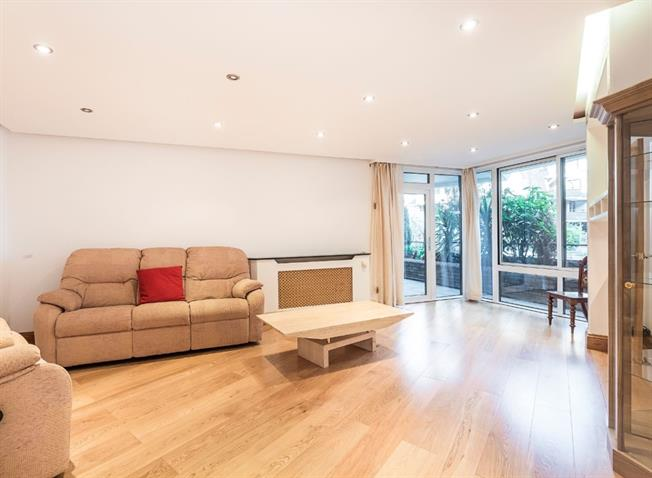 £2,799  per Calendar Month (Calculated), 3 Bedroom Apartment To Rent in London, SW6
