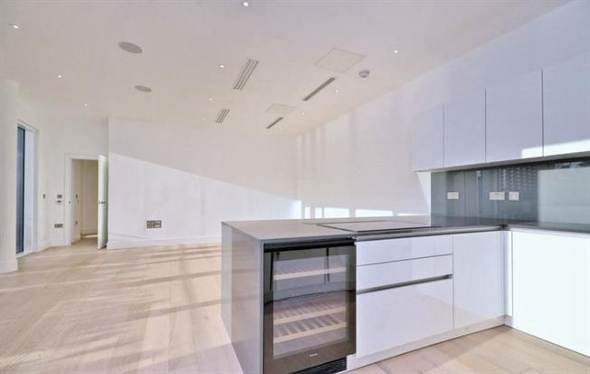 £9,598  per Calendar Month (Calculated), 4 Bedroom Maisonette To Rent in London, SW6