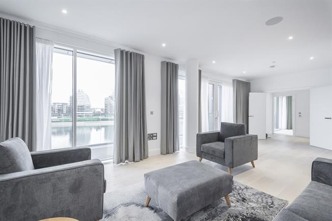 £4,593  per Calendar Month (Calculated), 2 Bedroom Apartment To Rent in London, SW6