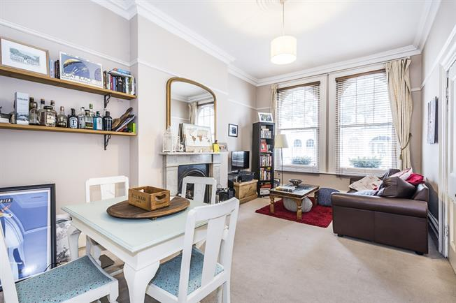 £1,733  per Calendar Month (Calculated), 1 Bedroom Apartment To Rent in London, SW6