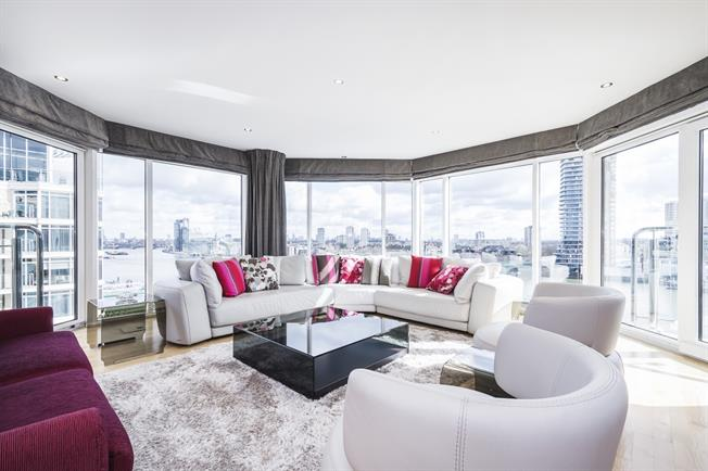 £5,980  per Calendar Month (Calculated), 3 Bedroom Apartment To Rent in London, SW6