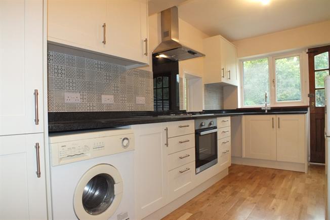 £1,500 per Calendar Month, 2 Bedroom Bungalow To Rent in Wonersh, GU5