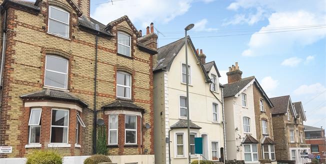 £1,150 per Calendar Month, 1 Bedroom Apartment To Rent in Guildford, GU2