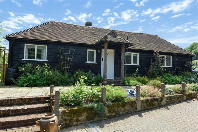£1,350 per Calendar Month, 3 Bedroom Cottage House To Rent in Brook, GU8