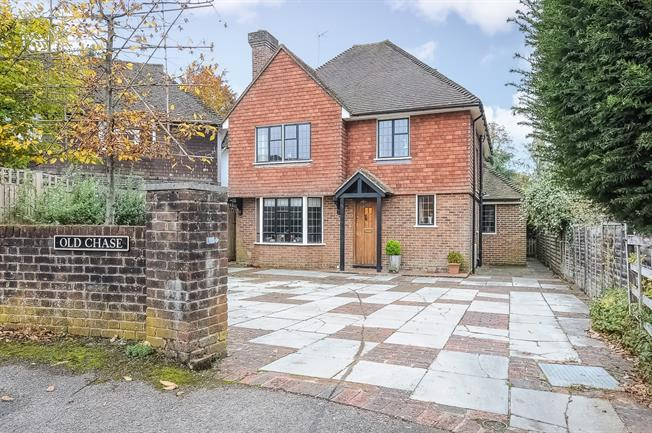 £6,000 per Calendar Month, 5 Bedroom Detached House To Rent in Godalming, GU7