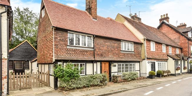 £2,500 per Calendar Month, 5 Bedroom House To Rent in Chiddingfold, GU8