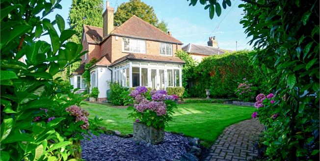 £2,250 per Calendar Month, 3 Bedroom Detached House To Rent in Haslemere, GU27