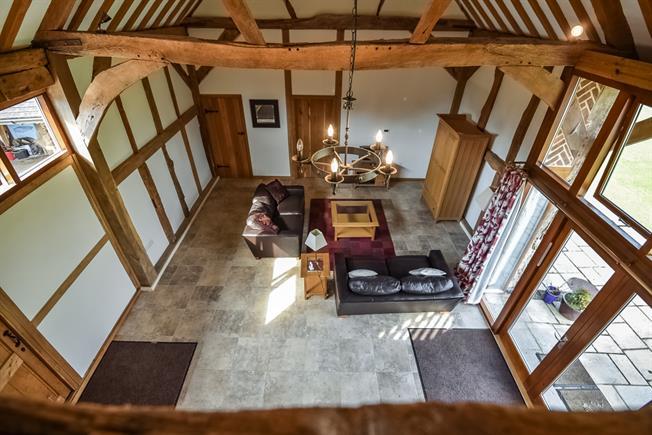 £2,250 per Calendar Month, 3 Bedroom House To Rent in Elstead, GU8