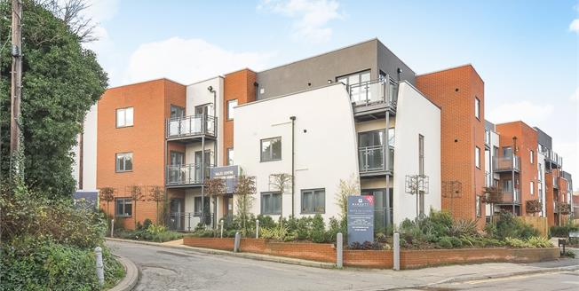 £1,650 per Calendar Month, 2 Bedroom Apartment To Rent in Guildford, GU1