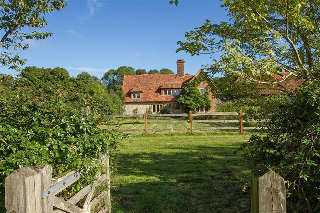 £2,950 per Calendar Month, 4 Bedroom House To Rent in Godalming, GU8