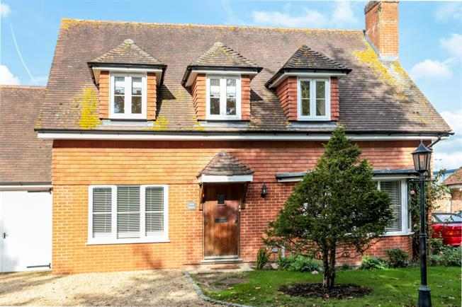 £2,000 per Calendar Month, 3 Bedroom House To Rent in Guildford, GU3