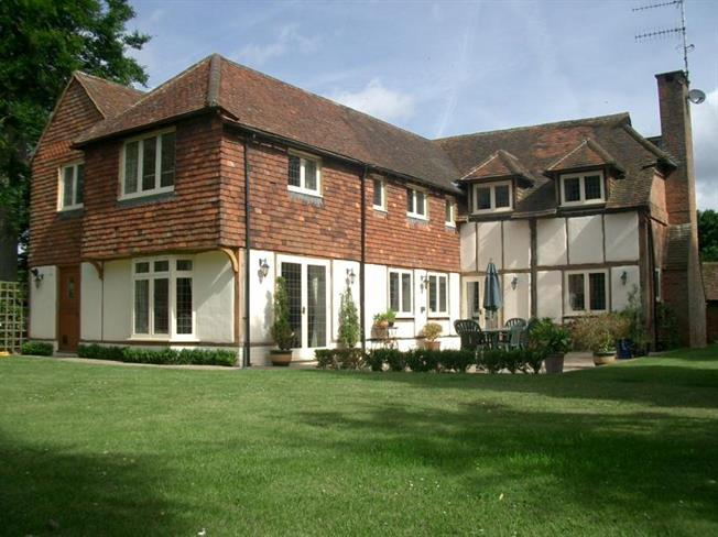 £6,000 per Calendar Month, 5 Bedroom House To Rent in Guildford, GU5