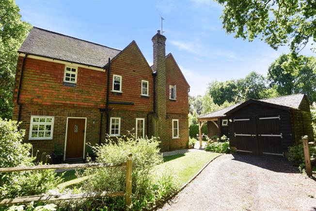 £3,495 per Calendar Month, 4 Bedroom House To Rent in Guildford, GU3