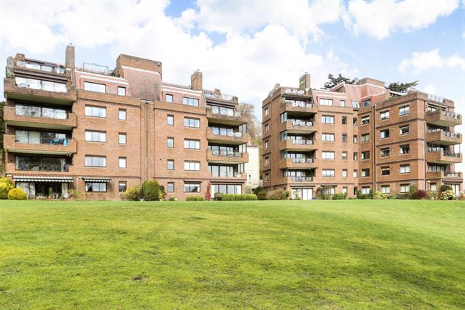 £1,395 per Calendar Month, 3 Bedroom Apartment To Rent in Haslemere, GU27
