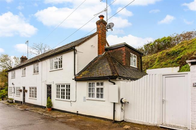 £1,295 per Calendar Month, 2 Bedroom Cottage House To Rent in Puttenham, GU3