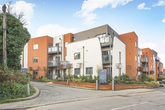 £1,250 per Calendar Month, 1 Bedroom Apartment To Rent in Guildford, GU1