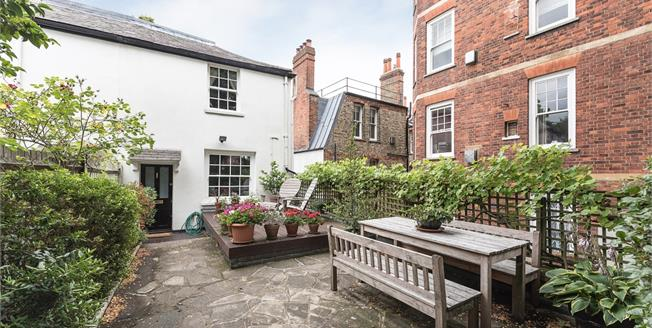 £6,933  per Calendar Month (Calculated), 3 Bedroom Cottage House To Rent in London, NW3