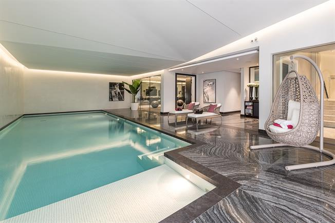 8 Bedroom Detached House To Rent In London For 95 333 Per Calendar