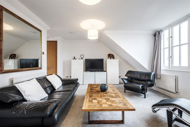 £3,878  per Calendar Month (Calculated), 2 Bedroom Flat To Rent in London, NW3