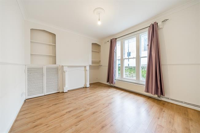 £2,816  per Calendar Month (Calculated), 3 Bedroom Terraced House To Rent in London, NW1