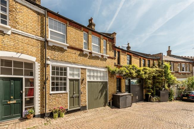 £5,850  per Calendar Month (Calculated), 3 Bedroom Mews House To Rent in London, NW3