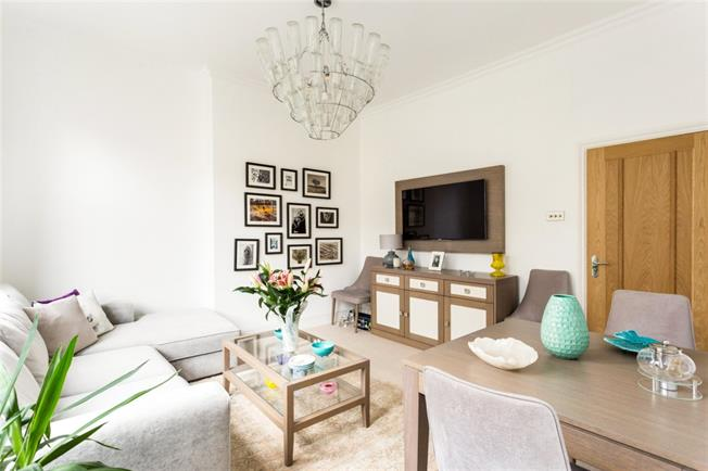 £1,898  per Calendar Month (Calculated), 2 Bedroom Flat To Rent in London, NW3